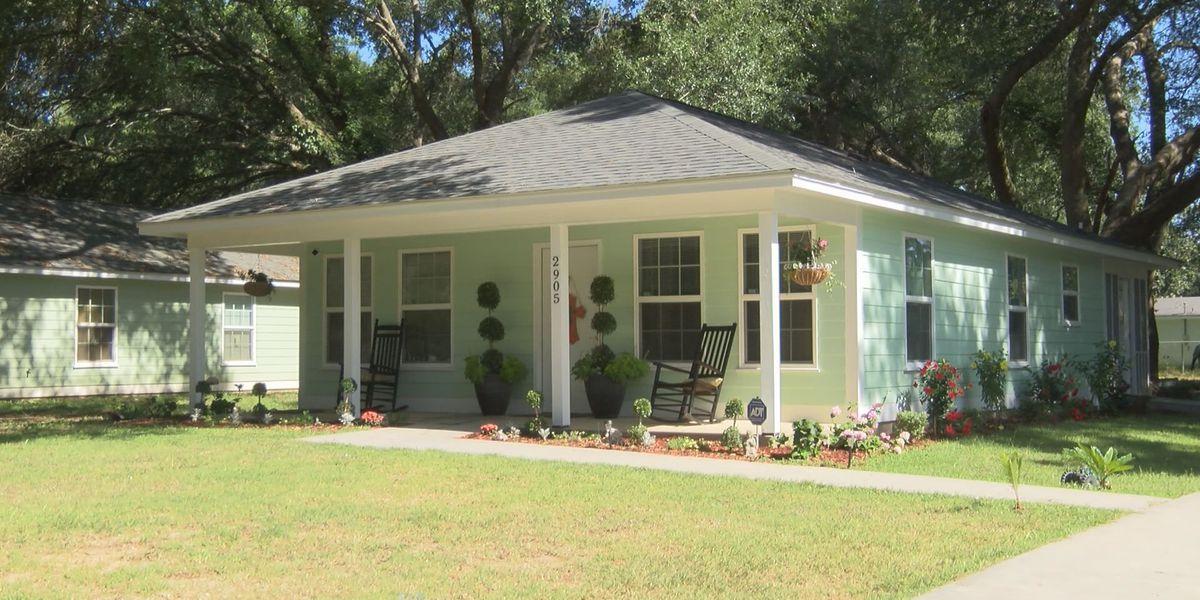 Hispanic family gets first Habitat home