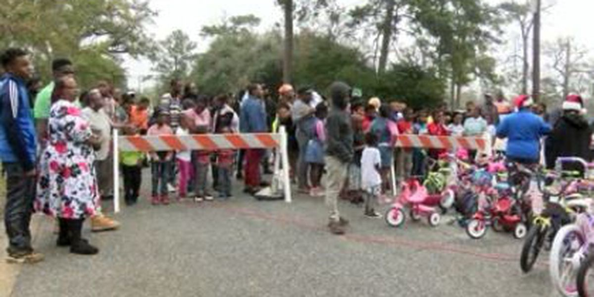 Thomasville pastor hosts 'Christmas in the Street' event