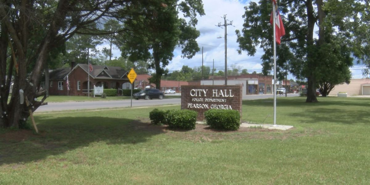 Pearson officials work with residents concerning high water bills