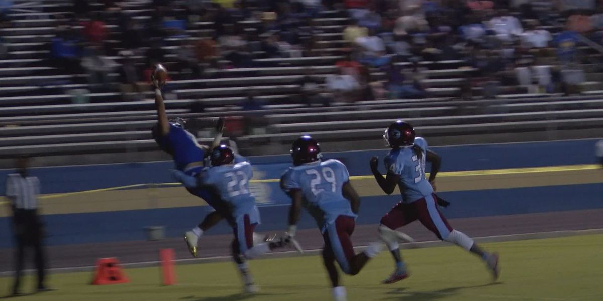 WALB PLAY OF THE WEEK (11/6/17): Payne's triple coverage catch
