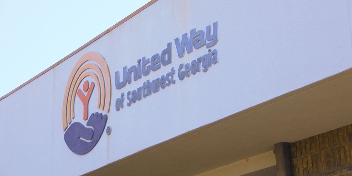 United Way donates to Boys and Girls Club