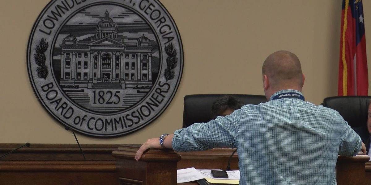 County commissioners discuss budget