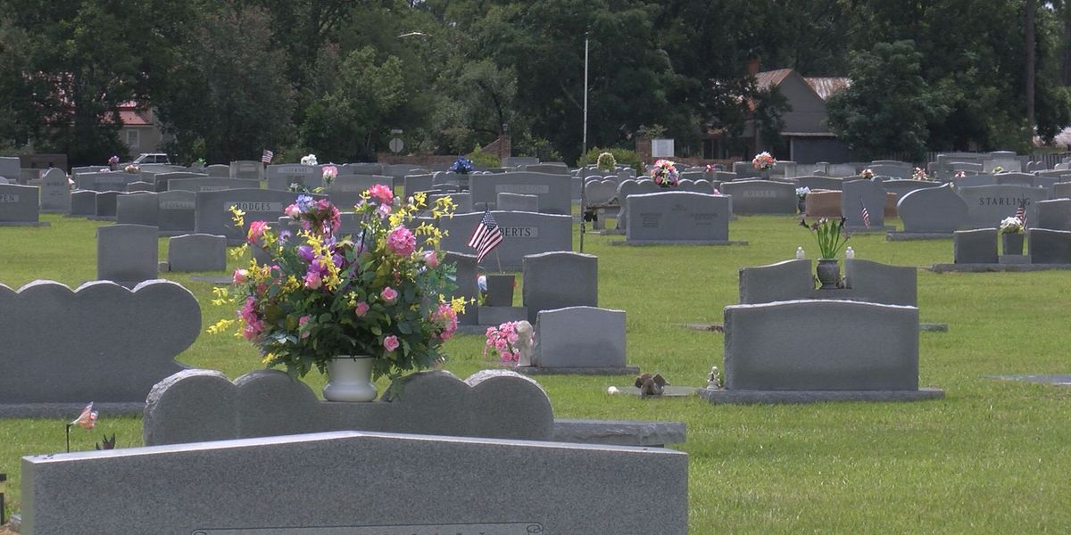 Nashville community discusses controversial cemetery rules