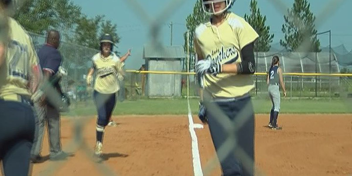 Panthers rock Warriors with big inning
