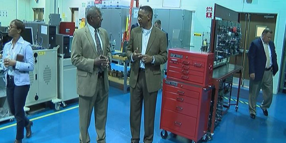 Marine officials tour Albany Tech