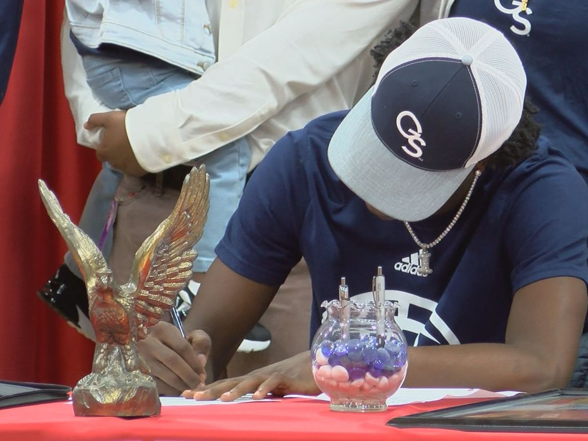 Mitchell County's Derrick Harris signs NLI with Georgia Southern's basketball program