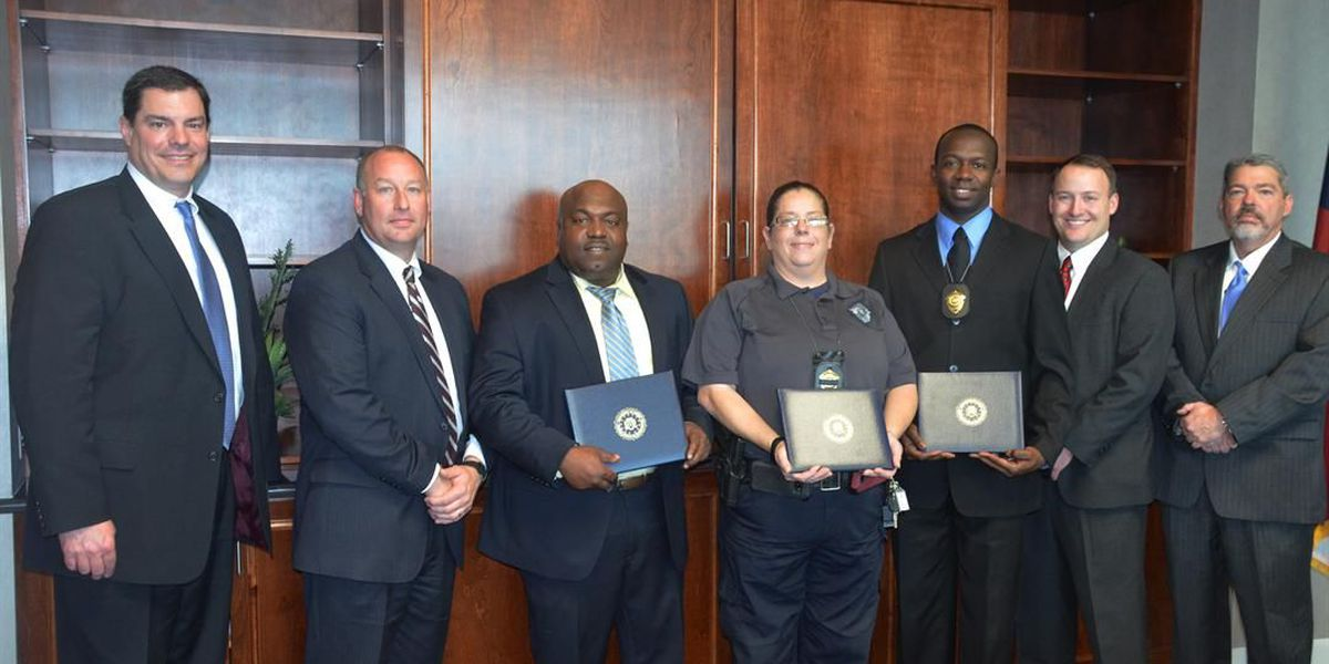 APD officers recognized by FBI for help with bank robbery