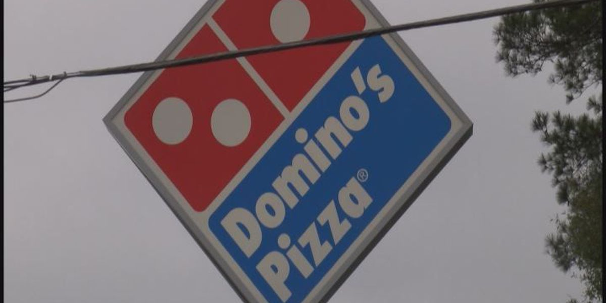 Police search for robber who held up pizza restaurant