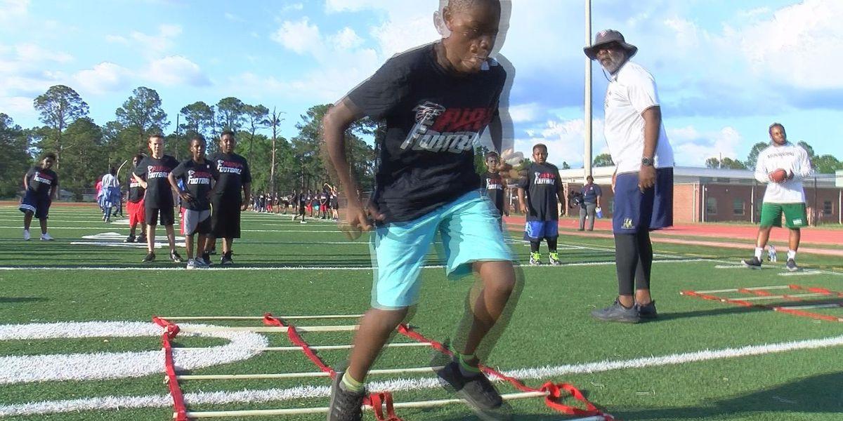 Atlanta Falcons host youth football camp