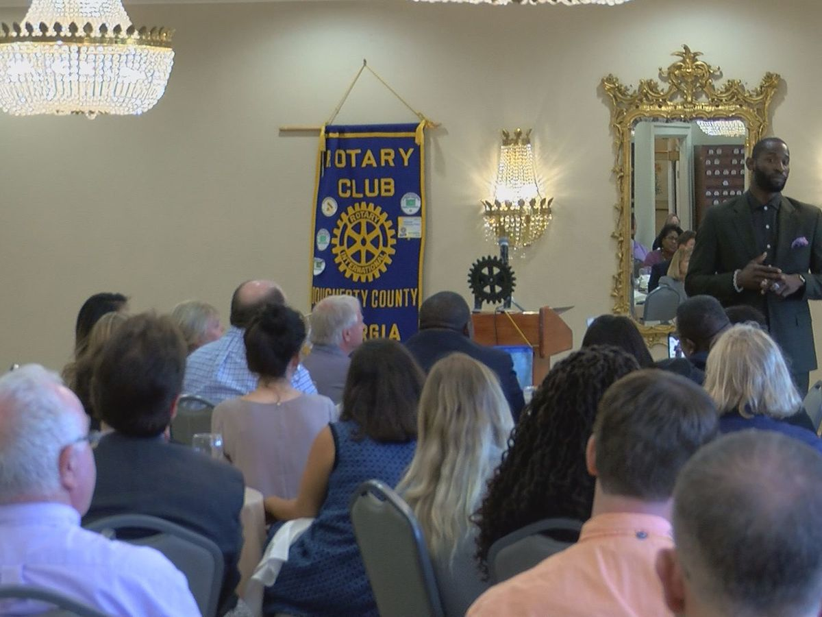 Ricardo Lockette speaks at Rotary Club