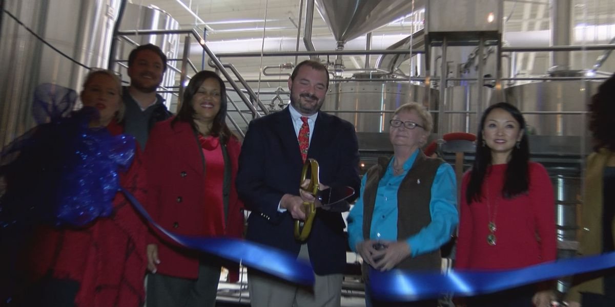 City leaders taste SWGA's first-ever handcrafted beer