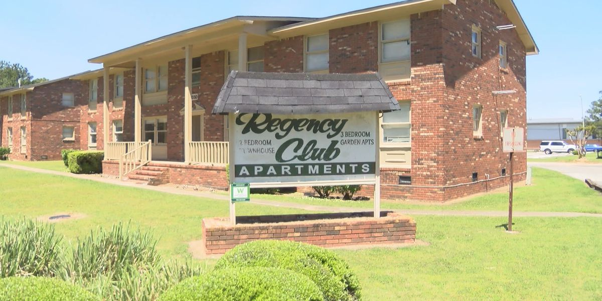 East Albany apartment residents organize against crime